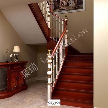 手工锻造铁艺楼梯013701的图片