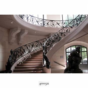手工锻造铁艺楼梯400311的图片