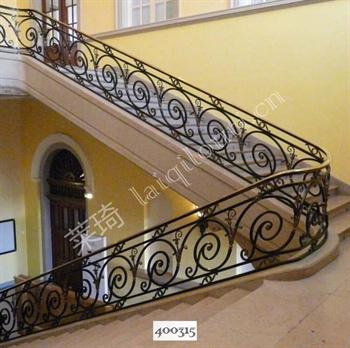 手工锻造铁艺楼梯400315的图片