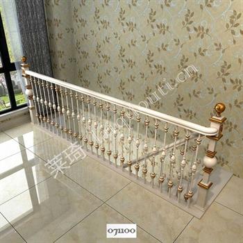 手工锻造铁艺楼梯071100的图片